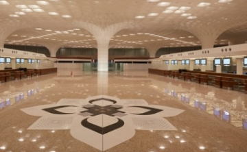 GVK to sell 49% in Mumbai Airport