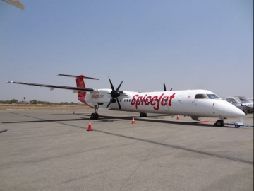 SpiceJet takes delivery of first 90-Seat Q400 Aircraft