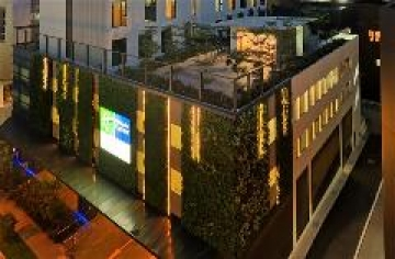 Holiday Inn Express debuts in Singapore