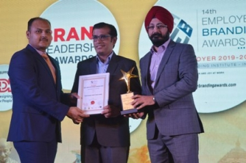 Travel Designer bags 'Dream Employer of the Year 2019' Award