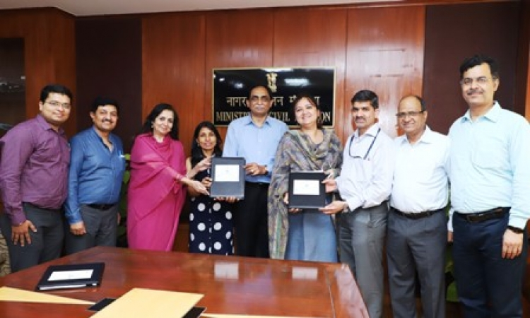 In the centre, Gaurang Shetty, , Rubina Ali, Joint Secretary – Ministry of Civil Aviation and GK Chaukiyal, Executive Director – RCS, Airports Authority of India along with representatives from AAI and Jet Airways post signing the agreements for Regional Connectivity Scheme flights awarded to Jet Airways